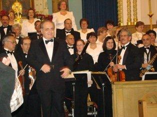 Maestro Konstantin Petrossian is in his element as conductor of the Erevan Choral Society.